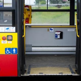 zdjęcie wejścia do pojazdu