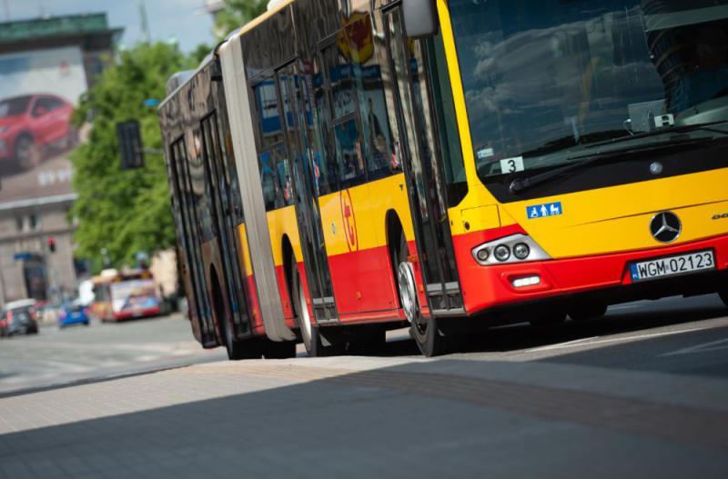 zdjęcie czoła autobusu