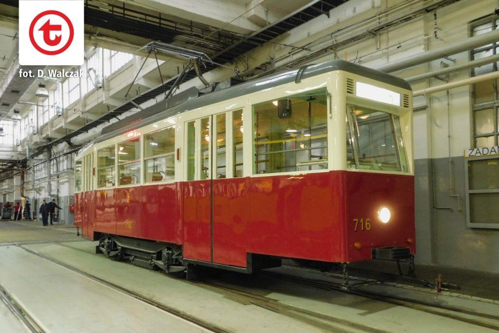Zmodernizowany wagon typu N nr 716.