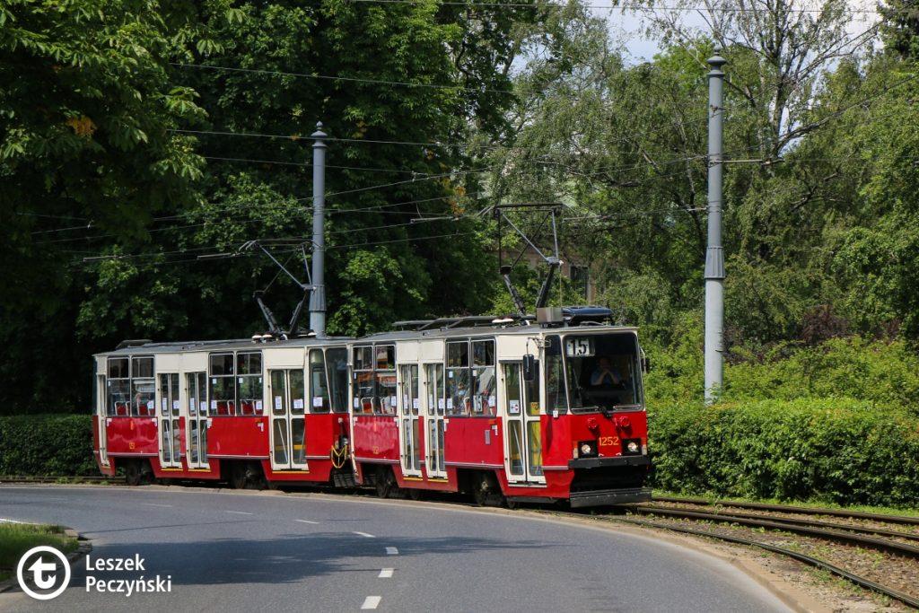 skład wagonów 105Na nr 1252+1251