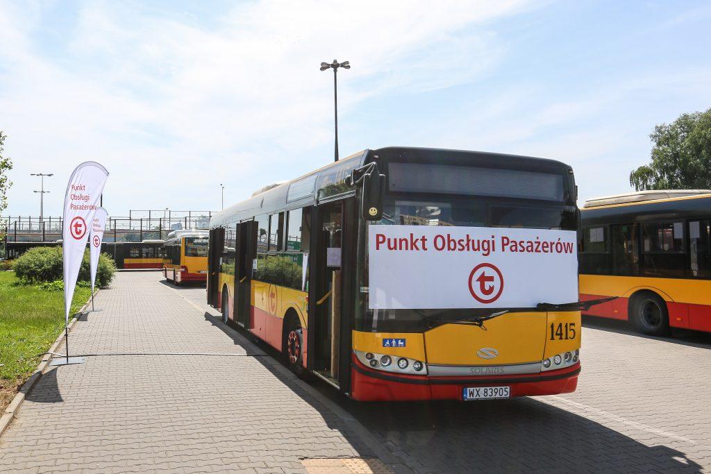 zdjęcie mobilnego punktu obsługi pasażerów