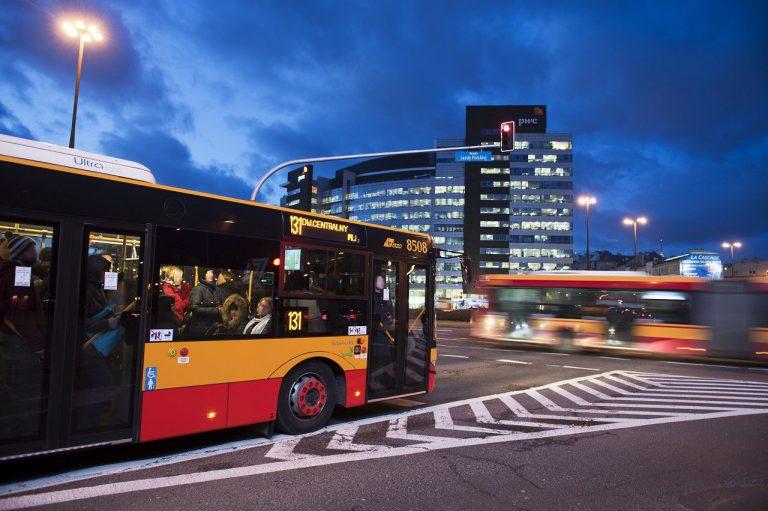 Autobusy nocne na ulicy Kłobuckiej