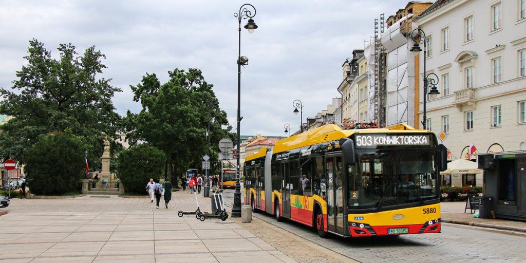 low-floor bus