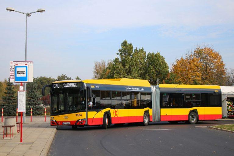 Autobusem C40 na cmentarz